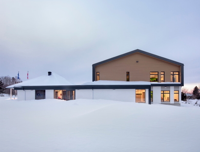 PROULXSAVARD and CCM2 architects, a school extension