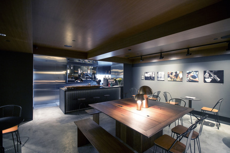 f22 foto space Hong Kong by LAAB Architects