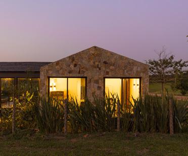 At a natural pace, Casa Haras by 24.7 Arquitetura