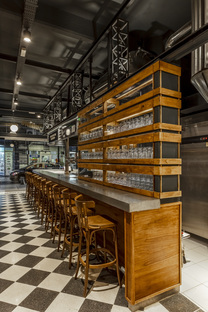 El Clásico de Quilmes, pub by Hitzig Militello Arquitectos