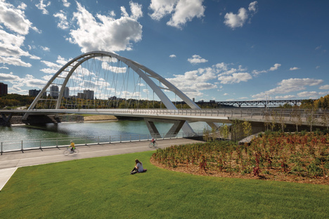 Walterdale Bridge by DIALOG, using infrastructure for placemaking
