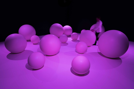 Presence, an exhibition by Daan Roosegaarde at the Groninger Museum