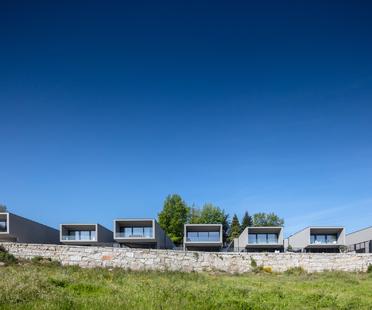 Box XL Houses by Grupo Zegnea