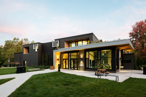 New sustainable Exploration Centre in Laval, Canada by Cardin Julien