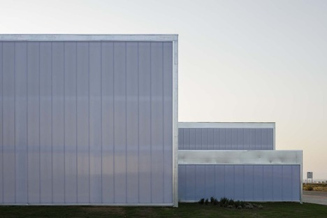 Estudio de Arquitectura Hago and the beauty of industrial architecture