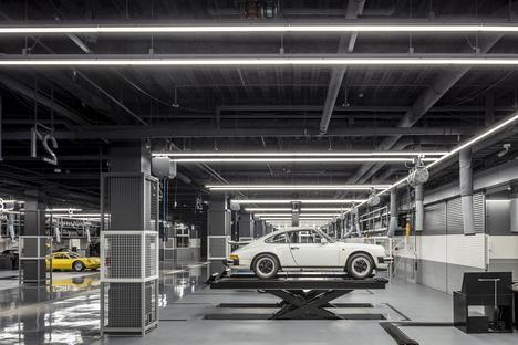 A Pit Autobacs Shinonome for the 2019 Golden Pin Design Award