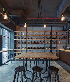 Kolby Wine Bar in Prague by CMC Architects