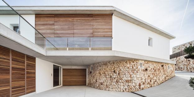 Casa E in Minorca by Gabriel Montañés Arquitecto