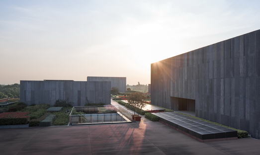 Cyrus Tang Foundation Center by UAD