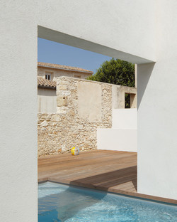 TRA house, refurbishment in southern France by (ma!ca) architecture