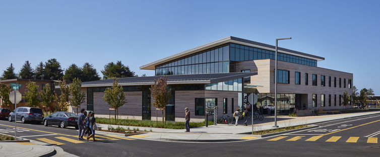The multi-award-winning Half Moon Bay library by Noll & Tam Architects