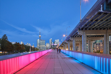 Thermally Speaking, light installation by LeuWebb Projects for CITYLights Toronto