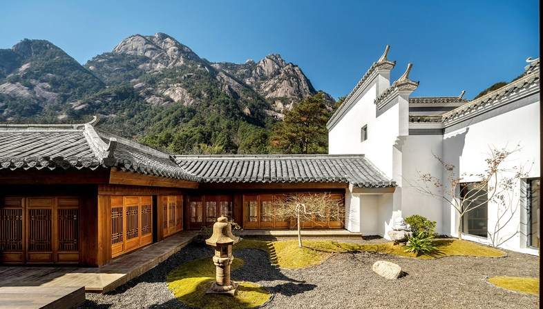 Makeover of the Sunriver Resort & Spa in Huangshan by CCD