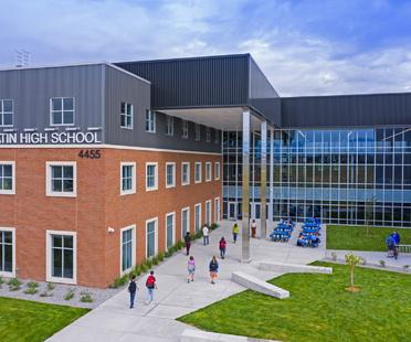A school like a town centre, Gallatin High School
