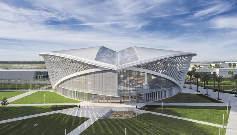 Mori Hosseini Student Union by ikon5. architects