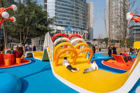 Pegasus Trail by 100architects: an urban attractor in Chongqing