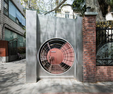 Nax Architects designs Cosmetea's pop-up shop in Shanghai