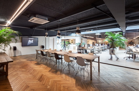Metaform's warehouse to office transformation