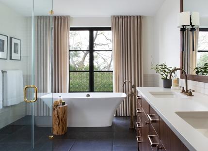 Ridge Oak Residence: rebirth of a mid-century modern residence in Austin