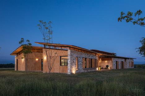 Marina Vella's Casa Traversa: an extension of the landscape