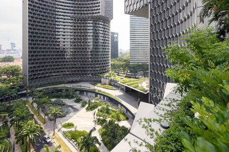 Büro Ole Scheeren's DUO in Singapore, a sustainable tower awarded the CTBUH Award