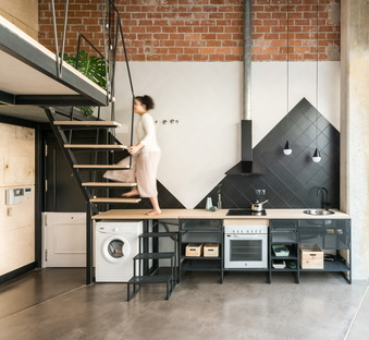 UPHouse by cumuloLimbo studio, or: how to enlarge a space elegantly