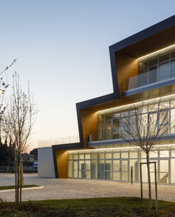 Stefano Bindi designs an iconic and sustainable industrial architecture