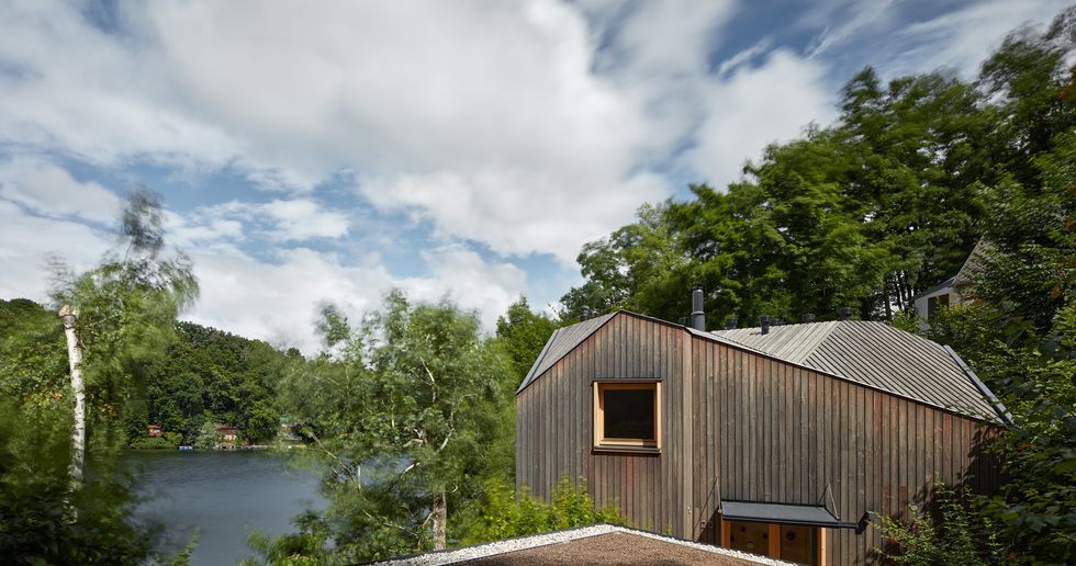 Prodesi/Domesi designs small cottage inspired by a ship cabin