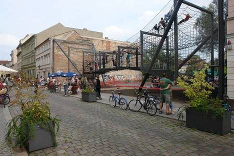 """Urban space regained: """"Das Netz"""" in Berlin, NL Architects"""
