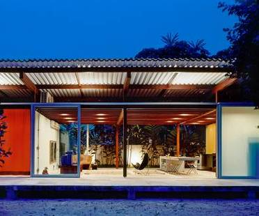 Home in Barra do Sahy, SP, Brazil. Nitsche Arquitetos
