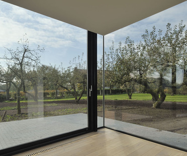 Farmhouse renovation and extension: Acht5. reSET architecture.