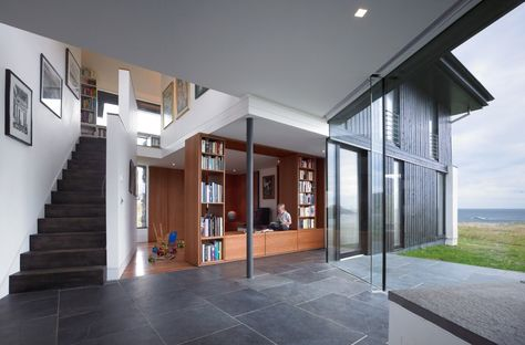 Historical landmark for a new home. The White House by WT Architecture