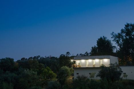 House on a warehouse, project by Marcelino.