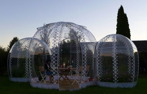 The Invisible Garden House. Bioclimatic greenhouse by SHJWORKS.