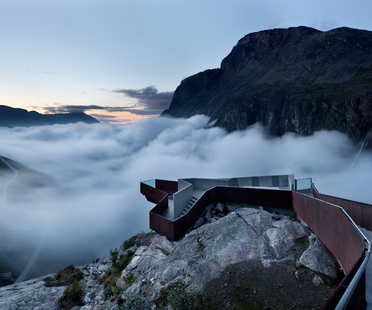 """Architecture and landscape: Mostra """"Lookout. Architecture with a view"""""""