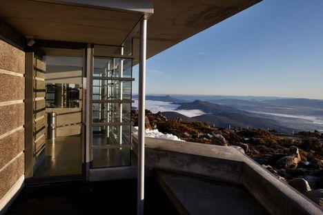 Building in nature: Mt Wellington Pinnacle Amenities