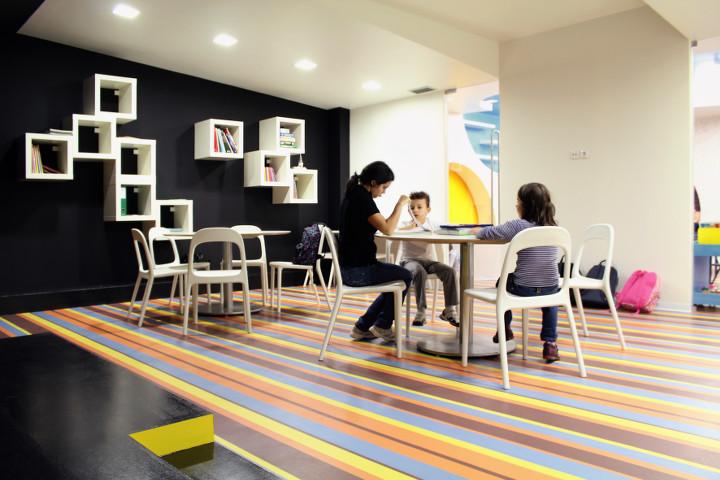 Design for kids kalorias children s space estudio for Reading space design