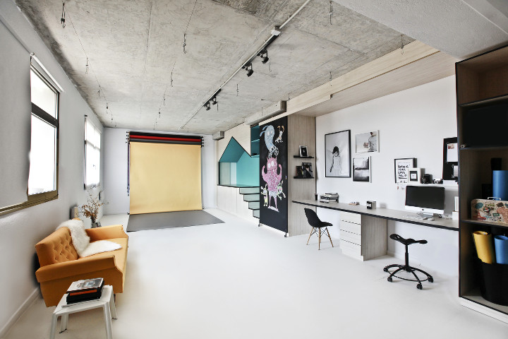 Input creative studio designs a photography studio in new for Studio interior ideas