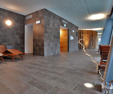 Iridium: floors and walls of pure colour