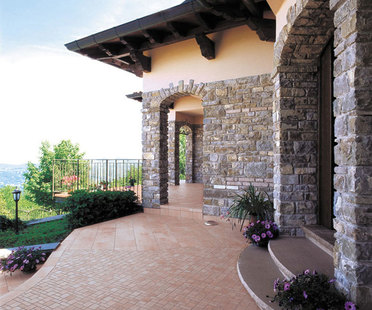 Porcelain surfaces: outdoor living solutions