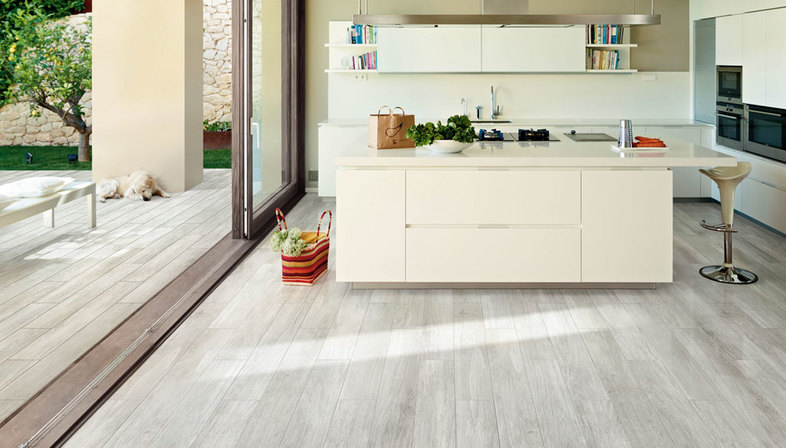 French Woods: wood-effect porcelain surfaces