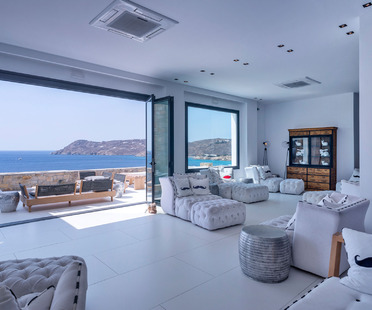 Hotels and resorts in Mykonos featuring Ariostea Ultra tiles