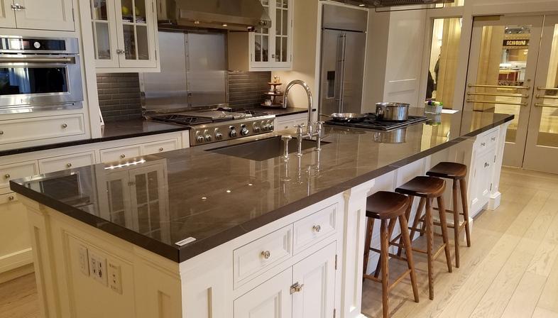SapienStone: dark neutral colours for kitchen countertops in 2020