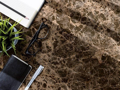 New light and dark Ultra Ariostea marbles for refined, luminous atmospheres