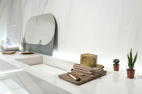 Ariostea white marble: high-tech ceramic for coverings and furnishings