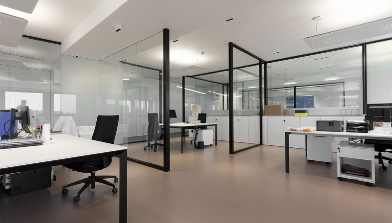 Technical innovation and ceramic quality: benefits and prevention with Granitech raised floors