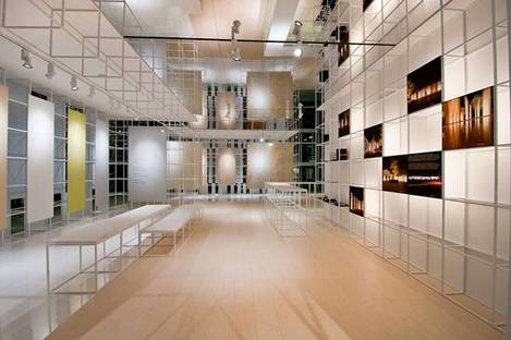 Exhibiting ceramic floor and wall tiles