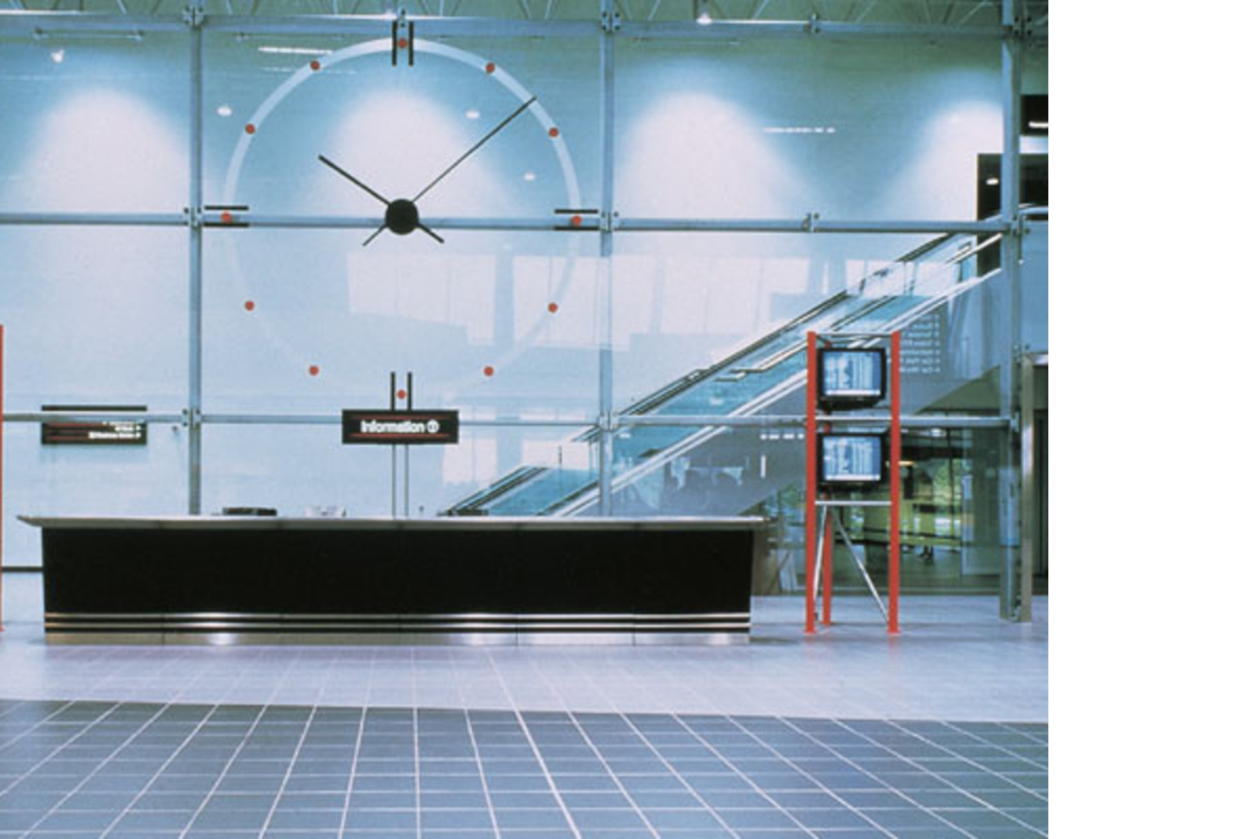 Airports and railway stations: public buildings with porcelain ...