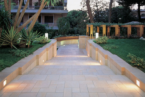 Outdoor pavements: thin tiles for laying over existing surfaces