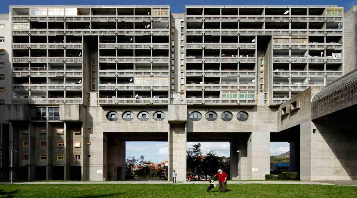 A hundred social housing developments<br />
